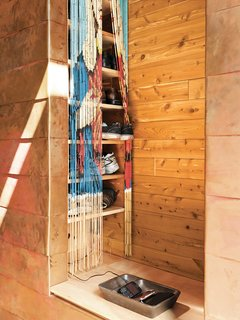 """""""Where Should I Keep My...?"""": Solving the Ultimate Small Space Dilemmas - Photo 4 of 8 -"""
