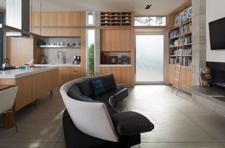Green Home in La Jolla Blends Indoors and Outdoors - Photo 5 of 7 -