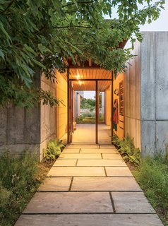 Six Concrete Boxes Make a Jaw-Dropping Martha's Vineyard Home - Photo 7 of 11 -
