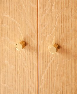 Here's a close-up shot of the door pulls, a really delicate feature of the pieces that are indicative of Egg's attention to details and finishing.