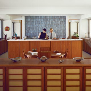 3 Tips for Mid-Century Modern Collectors - Photo 2 of 3 -