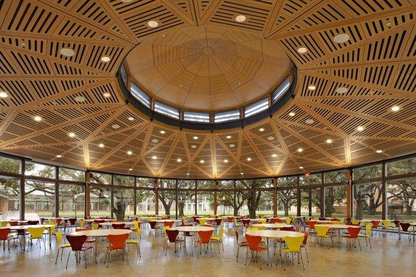 The interior of a dining pavilion on Rice University campus by Hanbury Evan Vlattas Rice Company.