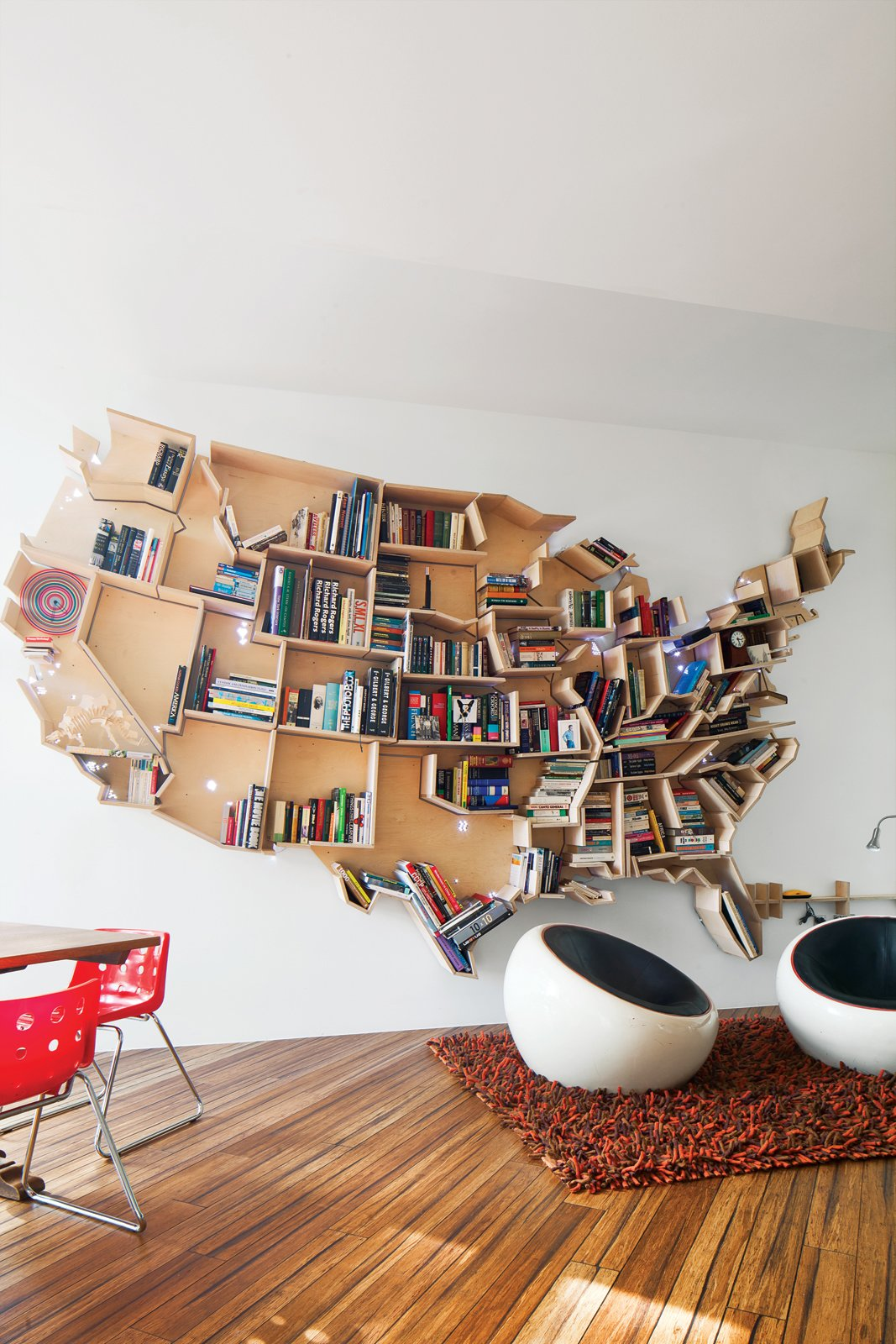 An American Bookshelf in London