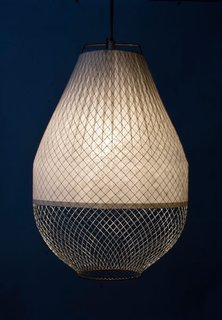 The designer does not attach objects for bulbs on the interior and the resulting effect is a more diffuse light and radiant glow for interiors.