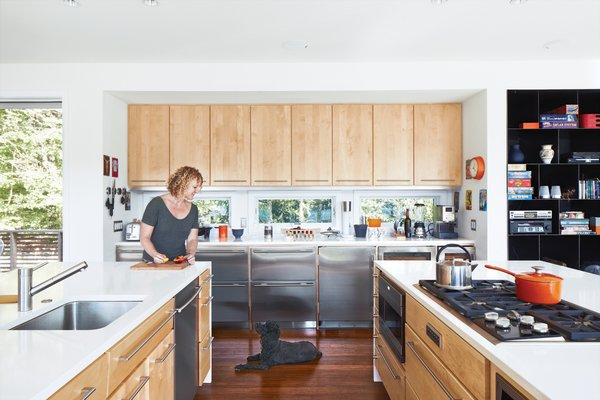 """""""The old house was like a cave. I wanted this house to be the opposite: a pavilion,"""" says Debbi Gibbs."""