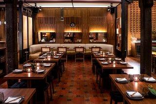 Head to 1960s Japan via AvroKO-Designed Restaurant in Chicago's West Loop - Photo 1 of 4 -