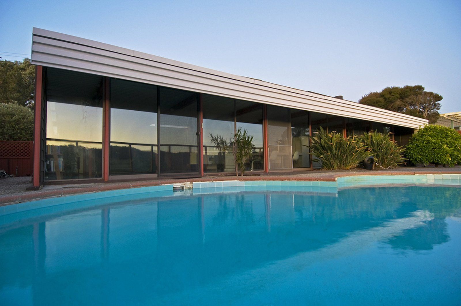 Photo 9 of 9 in People in Glass Houses: The Legacy of Joseph Eichler
