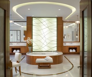 10 Tips for Timeless Luxury - Photo 2 of 2 -