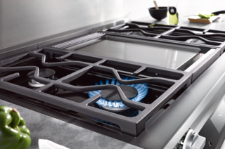 Sleek Oven Will Solve Your Cooking Needs - Photo 4 of 5 -