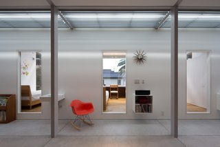 A Green House in Japan Sets the Stage for Family Time - Photo 2 of 7 -