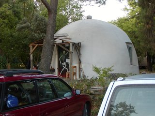 Tipis & Geodesic Domes: Alternative Homes - Photo 2 of 3 -