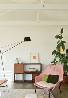 A Dramatic Cutout Wall and Other Surprises Define This Playful House - Photo 3 of 7 -