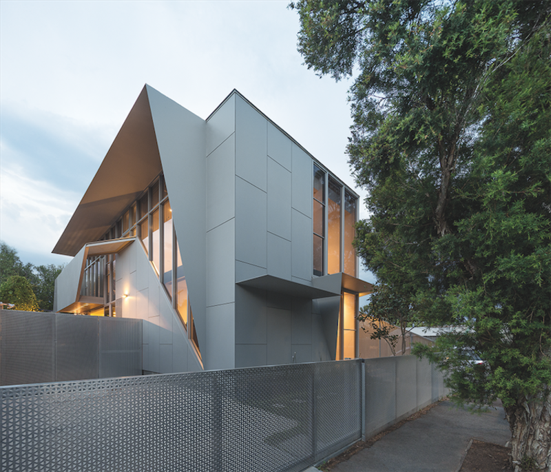 Angular Australian House Fits a Family's Active Lifestyle