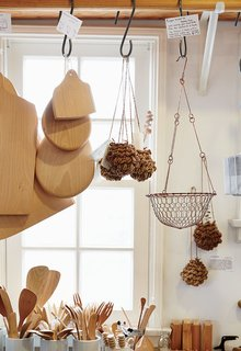 A Cute Mom-and-Pop Shop in L.A. Showcases the Latest Japanese Design - Photo 4 of 6 -