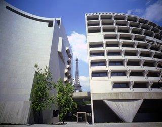 Australian Embassy, Paris, France, 1973-77. Photo © Max Dupain