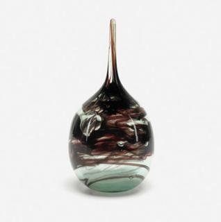 "Mass Modern lot 295: Kent Ipsen vase from 1970 (5"" x 10""); estimate $300-$500."