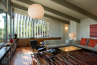 A Renovation Elevates This Humble Ranch Among its Iconic Midcentury Neighbors - Photo 6 of 10 -
