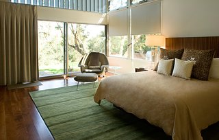 A Renovation Elevates This Humble Ranch Among its Iconic Midcentury Neighbors - Photo 8 of 10 -