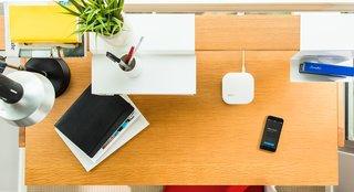 This Elegant Router Inspired by Eero Saarinen Will Declutter Your Desk - Photo 4 of 4 -
