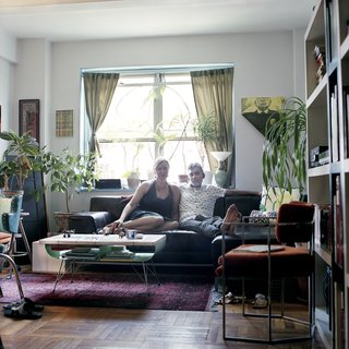 Photographer Captures Her Facebook Friends in Their Homes - Photo 8 of 9 -