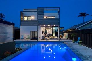 A Dull Stucco Home Becomes a Modern California Oasis - Photo 10 of 10 -