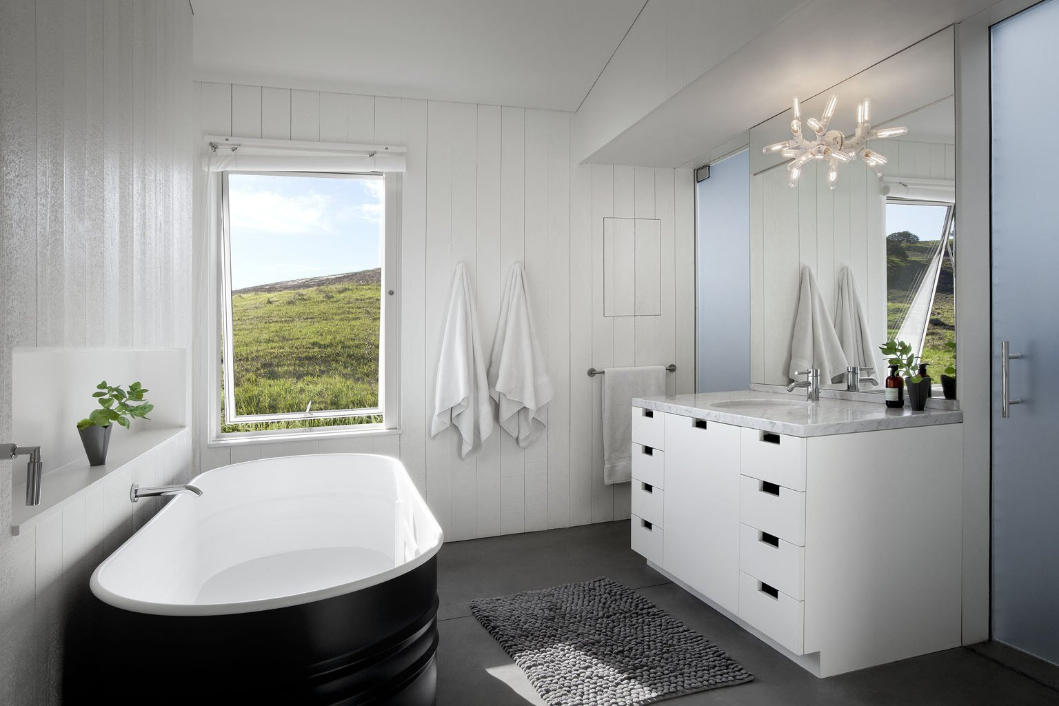 Photo 2 of 2 in Bathroom by Ibrahim Hastopalli from Torres House - Dwell