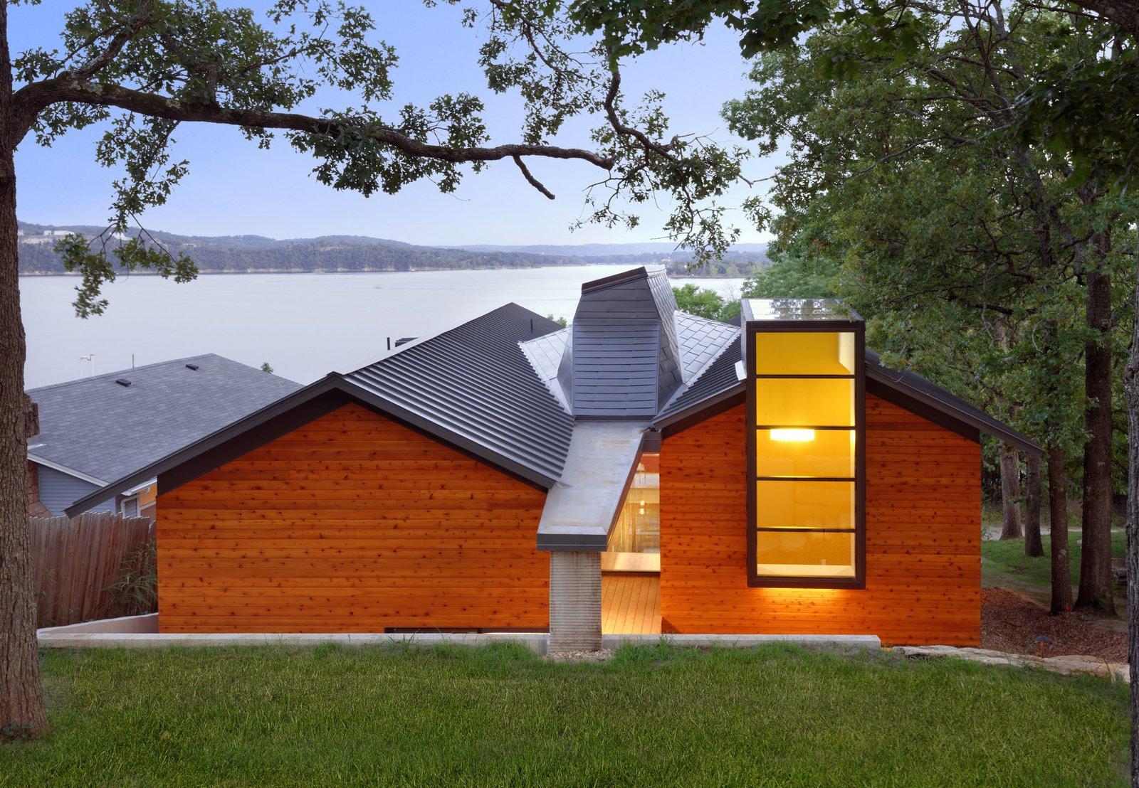 Modern lake house in missouri