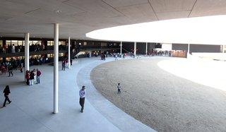 Chilean Architect Alejandro Aravena Wins This Year's Pritzker Prize - Photo 4 of 11 -