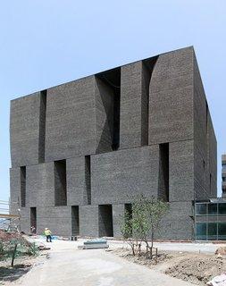 Chilean Architect Alejandro Aravena Wins This Year's Pritzker Prize - Photo 6 of 11 -