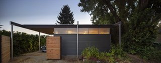 A Blissful Retreat Replaces a Scrap-Filled Yard in Seattle - Photo 7 of 7 -