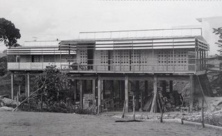 Progressive Prefabs of Jean Prouvé - Photo 4 of 6 -