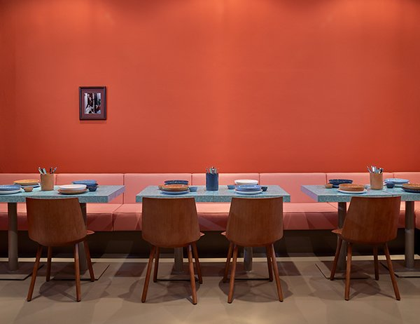 New Restaurant Brings Palm Springs Modernism and NYC Deli Style to...Berlin?