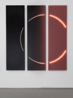 Featured in the Project Rotterdam exhibition, Marcelis designed a new piece for her Dawn collection. The collection continues from the VOIE Light Series #1 by utilizing neon tubes and cast resin, but in this interaction the forms are more sculptural.