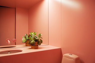 The bathroom of the beauty parlor by Crosby Studios.