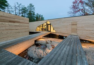 This Isolated Prefab Is One with the Wild