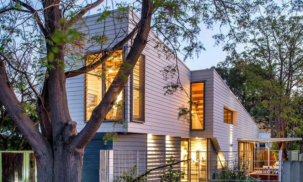Photo 1 of 6 in Thin, Mint: A Eco-Friendly House Rises in Compact Quarters