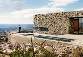 Views Stretch to Mexico at This Hard-Edged Texas Home