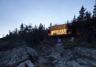 House of the Week: Whale Watching at This Edgy Abode