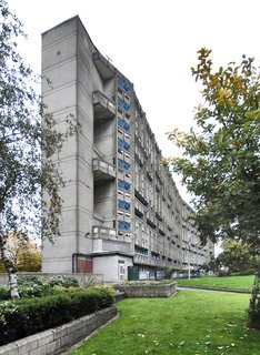Hero or Villain? London's Robin Hood Gardens Will Be Torn Down After Decades of Dividing Critics - Photo 2 of 4 -