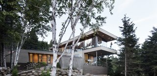 A Home Inspired by the Stars Soars Off the Ground