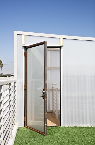 Carpeted with artificial turf salvaged from the Santa Monica Airport, the rooftop deck is a green getaway.  Photo 10 of 14 in Such Great Heights