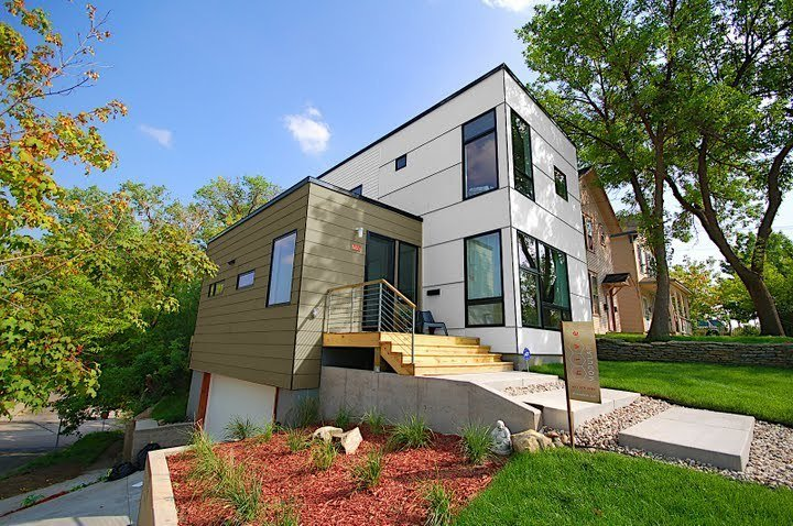 Exterior and Prefab Building Type Project Name: B-LINEMEDIUM 002  Photo 7 of 17 in 16 Prefab Shipping Container Home Companies in the United States