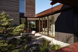 """A builder by trade, Ian <br>served as general contractor, working with designer Eric Walter of mw