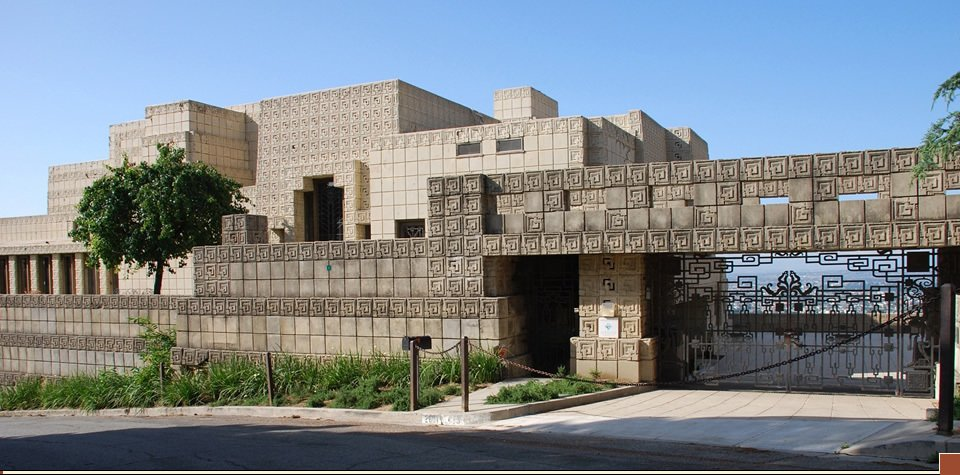 Exterior, House Building Type, Flat RoofLine, and Stone Siding Material Film: <i>Bladerunner</i> (1982)  Photo 11 of 16 in 10 Modern Homes That Made a Star Appearance in Films