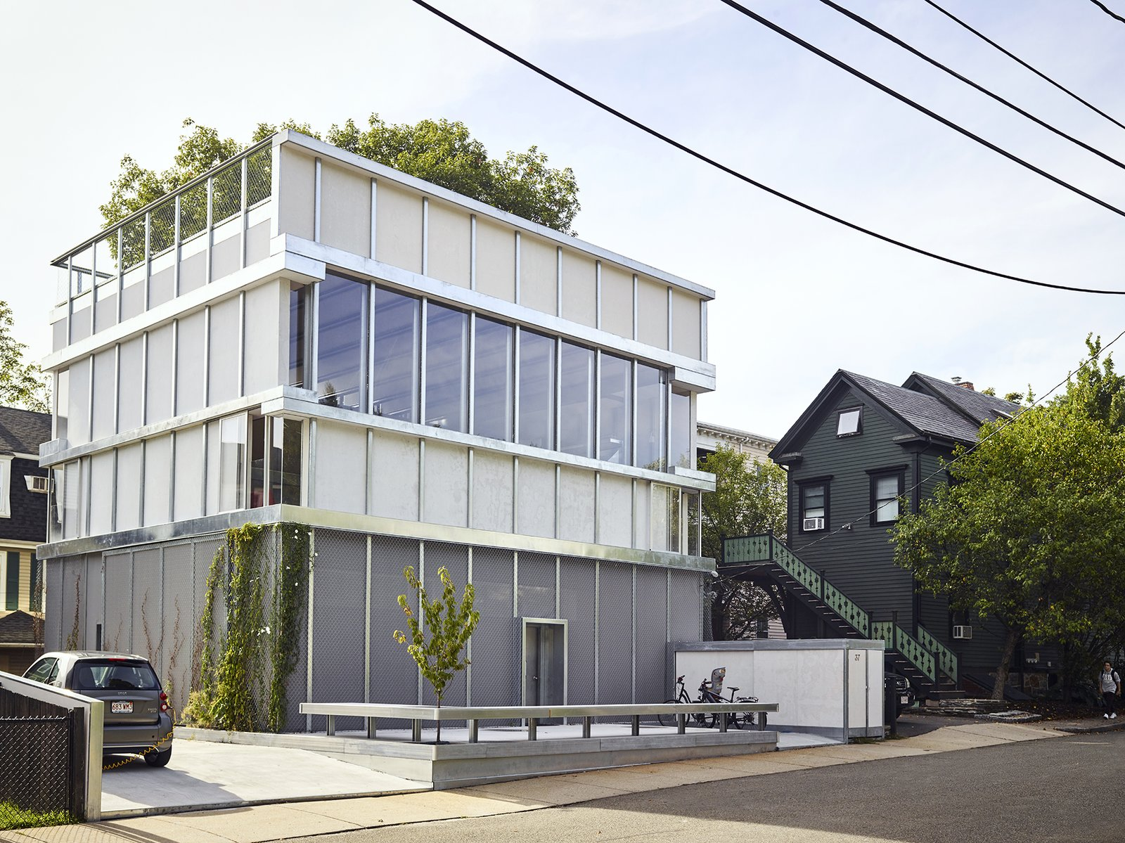 Exterior, House Building Type, and Green Roof Material  Photo 10 of 10 in Across the Ocean