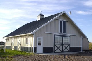 This stockade stall barn with an attached loft is made by Missouri-based Stockade Buildings.