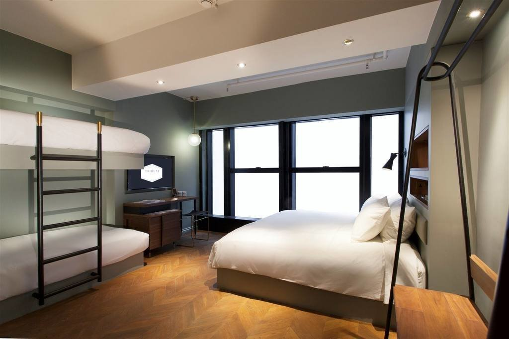 Working in collaboration with talented local and expat artists and designers, Tribute Hotel brings little details like artisan ceramics, lighting, lip balms and soaps into their modern art-deco style guest rooms.  Photo 8 of 11 in 10 Modern and Stylish Places to Stay in Hong Kong