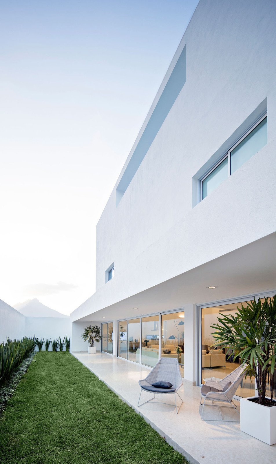 Photo 3 of 11 in 10 Bright White Cubist Homes Across the Globe