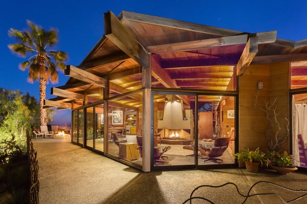 A 1974 Masterpiece Is Put on the Market by a Family Friend of the Late Julius Shulman - Photo 1 of 12 -