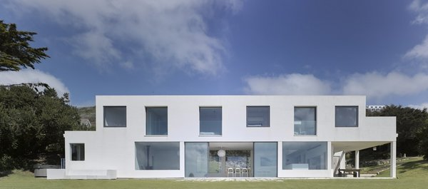 "An Architect's Big ""Little Cottage"" That You Can Rent on the South  Coast of Cornwall - Photo 1 of 10 -"